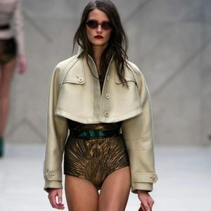 Runway Burberry Prorsum Cropped trench jacket